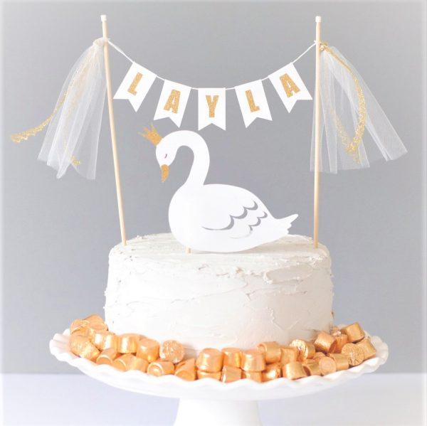 cisne cake topper