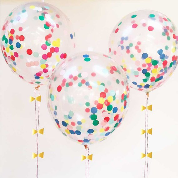 baloes com confettis